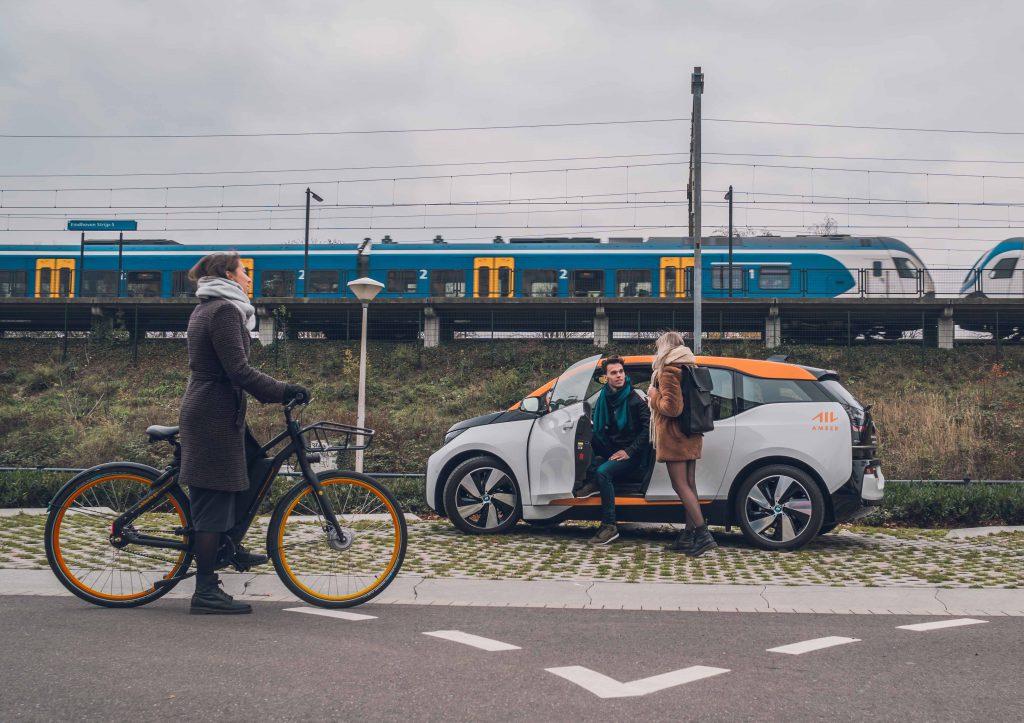 Elektrische deelauto en deelfiets